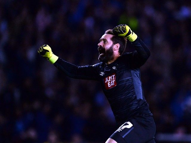 Scott Carson signs new contract with Derby County