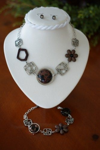 SET OF BROWN ASYMMETRICAL JEWELRY