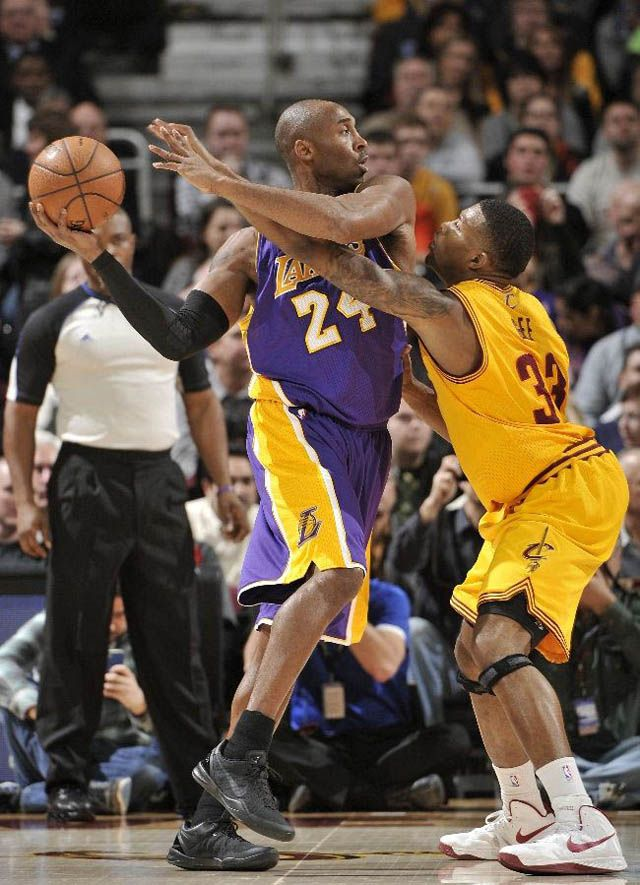 Kobe Bryant wearing Nike Kobe 8
