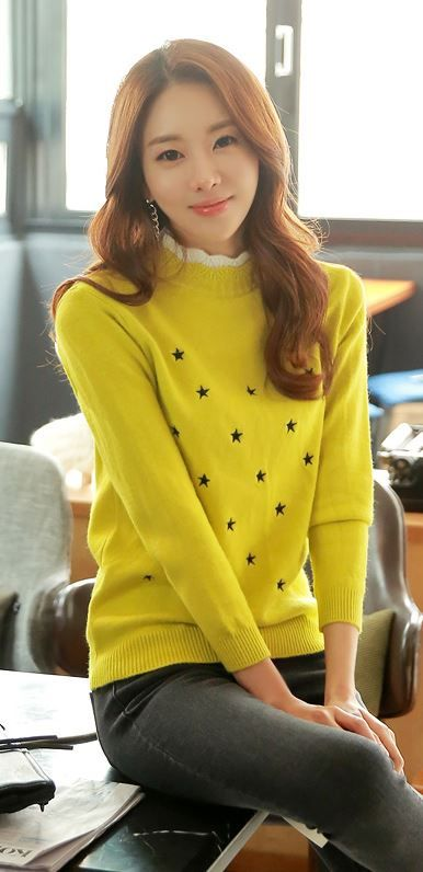 StyleOnme_Star Pointed Wavy Neck Knit #knit #top #wavy #neckline