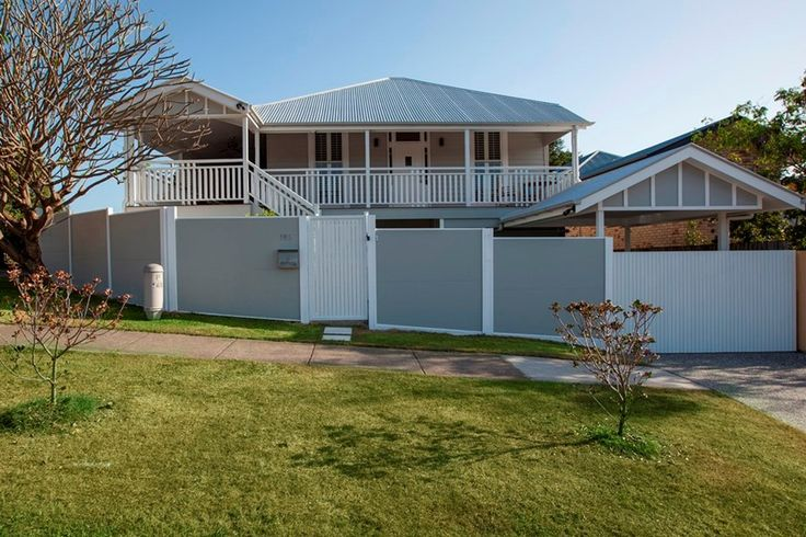 Perfect example of how SlimWall fencing seamlessly integrates with the existing style of the home