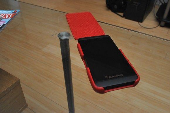 Review: Piel Frama iMAGNUM Case For BlackBerry Z10 photo