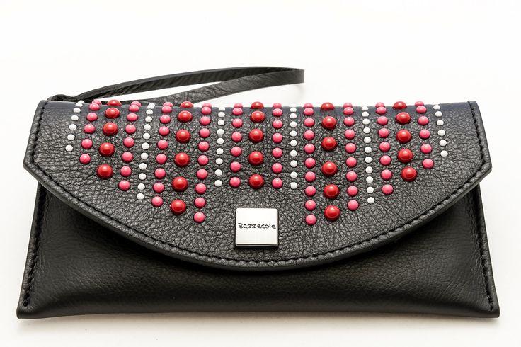 Le custodie in pelle Bazzecole sono ideali per il vostro Smartphone #LG e per molte altre marche. #Moda #Fashion #Style #Madeinitaly #Handmade #Bazzecole #custodie #custodia #leather #cases #Londra
