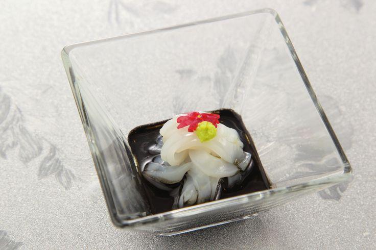 〈前菜小皿〉スルメイカの冷製タリオリーニ