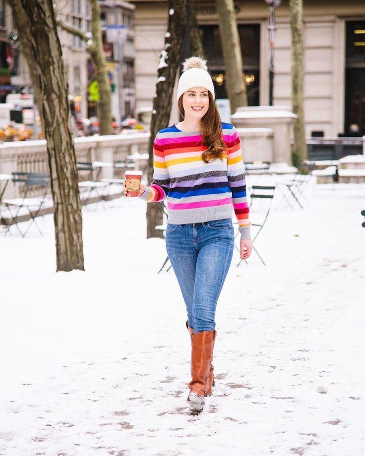 GAP Rainbow Stripe Sweater #gap #meetmeinthegap #sweaterweather