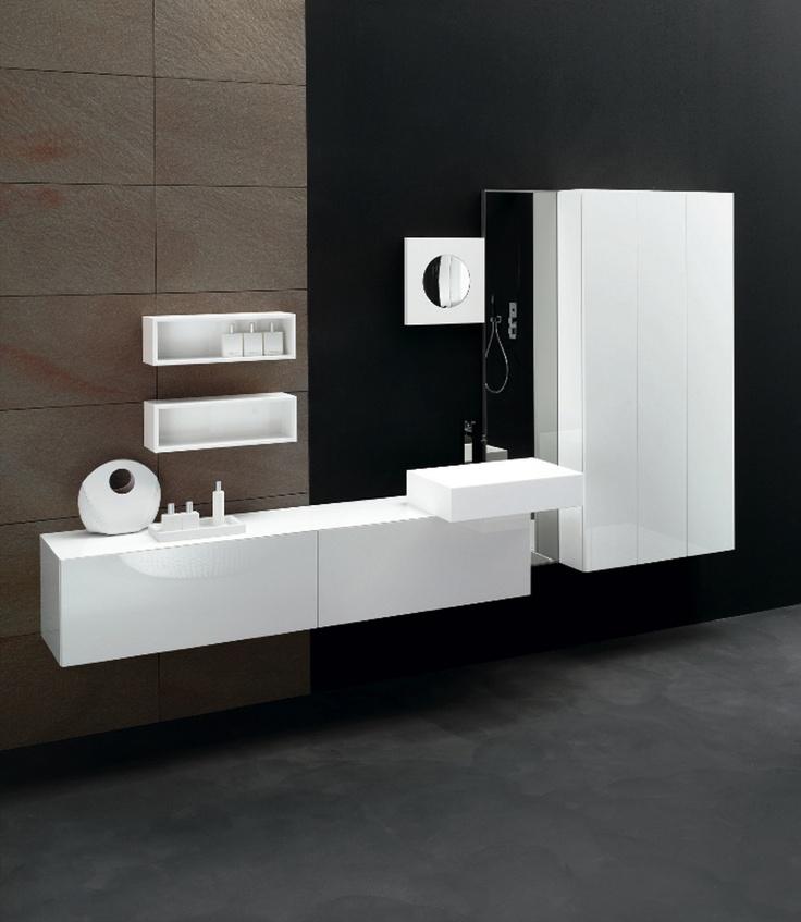KUBIK 51 - Composition lacquered L58 Bianco glossy brushed. Top D39 Bianco ceramicato. Milltek cantilever washbasin mod. Ska.