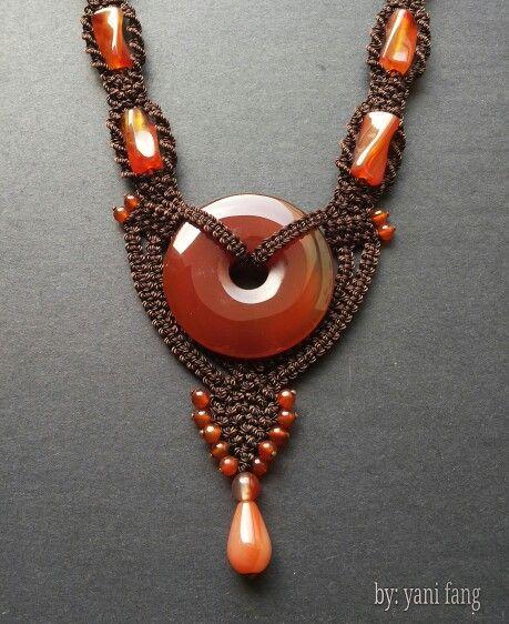 Clasic macrame necklace