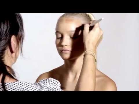 ▶ Contouring + Highlighting by Natasha Denona - YouTube