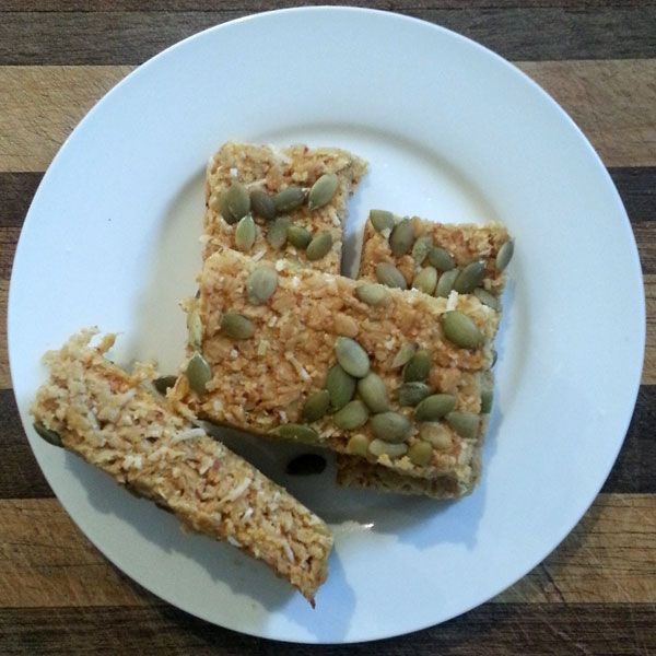 These low sugar #mueslibars are a great option for using some of the beautiful stone fruit around at the moment.