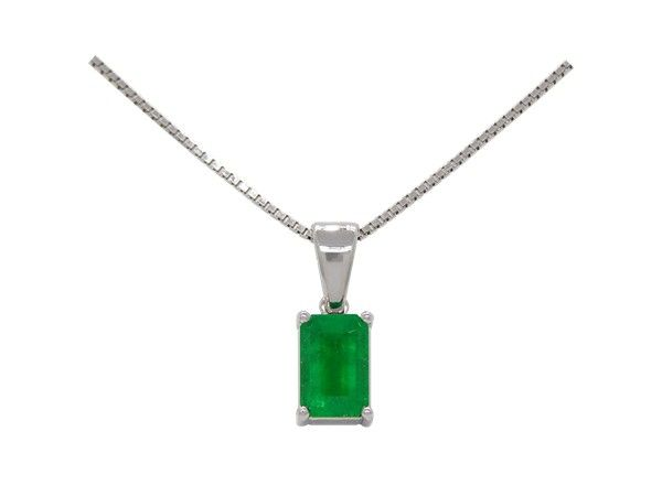 18K white gold solitaire emerald pendant necklace with 1.16 Ct. emerald cut natural Colombian emerald by www.GreenInGold.com #emeralds #pendant #necklace