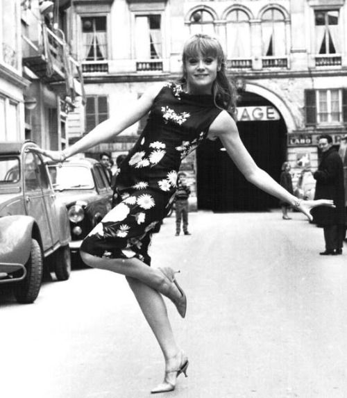 17 best images about nouvelle vague mod sixties and euro films on pinterest. Black Bedroom Furniture Sets. Home Design Ideas