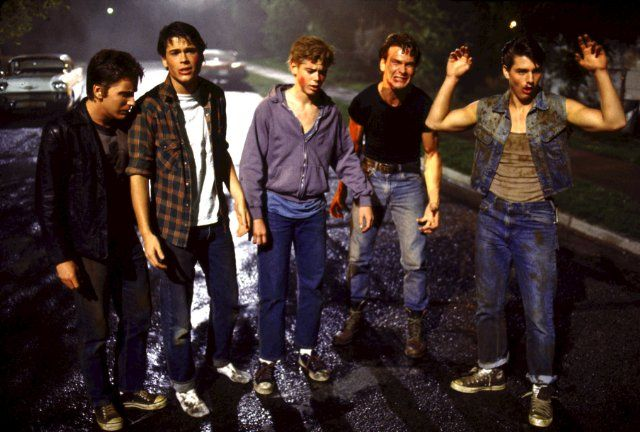 Still of Tom Cruise, Emilio Estevez, Rob Lowe, Patrick Swayze and C. Thomas Howell in The Outsiders
