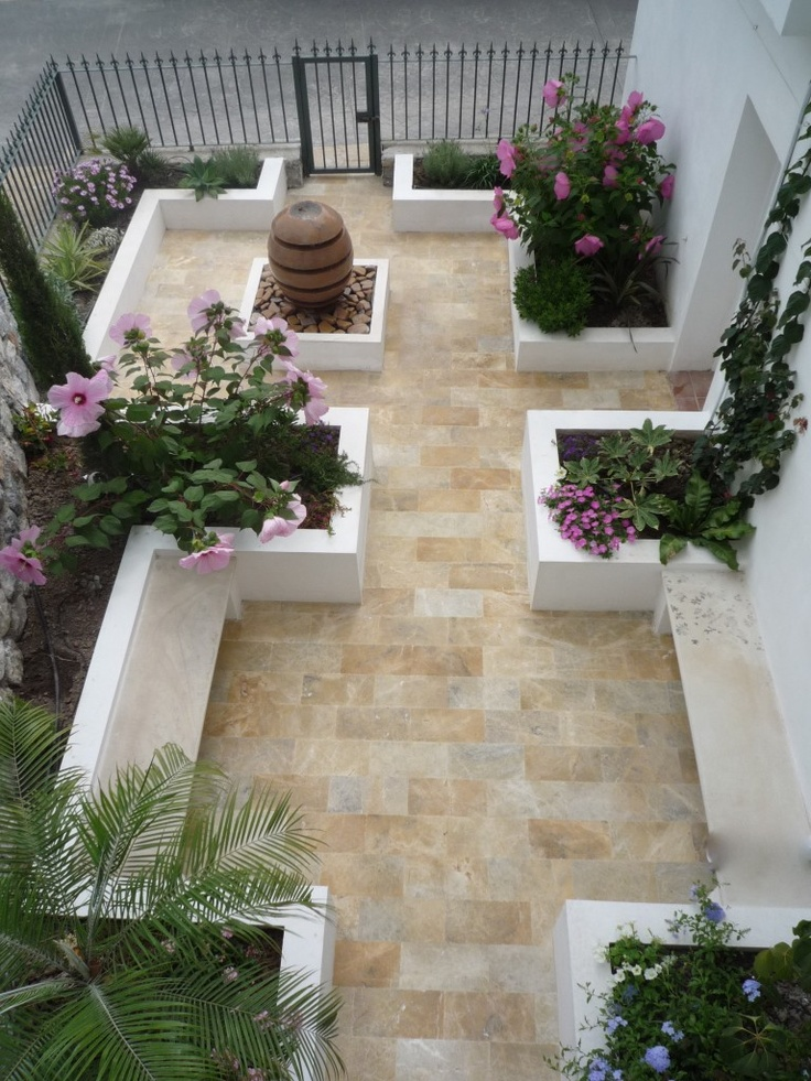 25 beautiful small courtyard gardens ideas on pinterest for Small courtyard landscaping