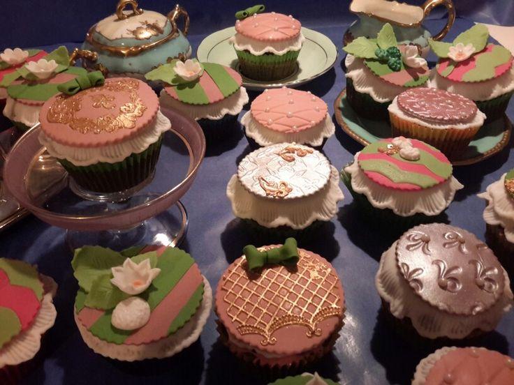 Vintage cupcakes1