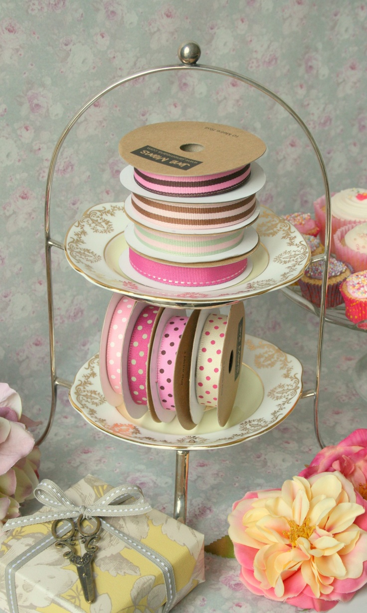 A cake stand of ribbon