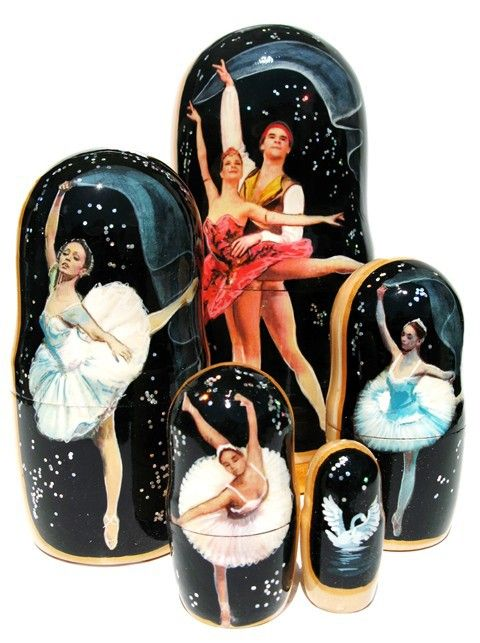 Beautiful ballet dancers strike elegant poses on the portraits painted on this unique set of 5 Russian nesting dolls. This set is a great and a memorable gift for anyone who appreciate the beautiful a