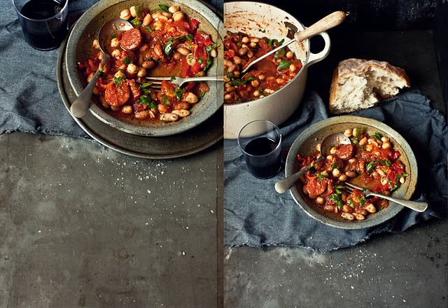 Spicy Chorizo, red capsicum, tomato and mixed bean stew: White Beans, Red Peppers, Foodies Ideas, Beans Stew, Red Capsicum, Mixed Beans, Spicy Chorizo, Tapas Styl Foodies, Katy Ate