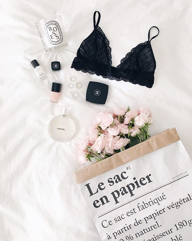 Pretty little details. Lace bra, chanel, fresh flowers and diptyque candel. #flatlay #style
