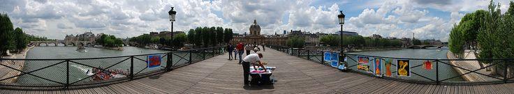 Pont des Arts - Vue panoramique depuis la passerelle.