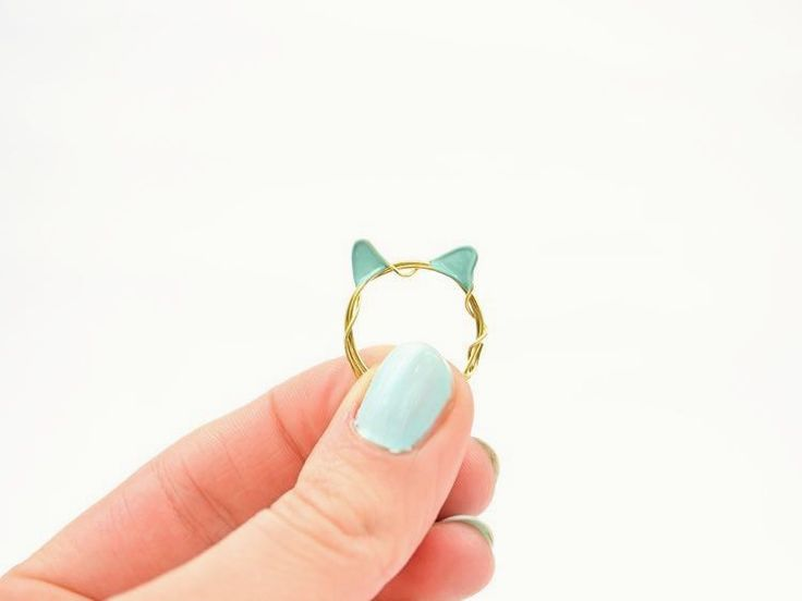 DIY tutorial: Wire Ring With Cat Ears via en.DaWanda.com #funny #animal #cat