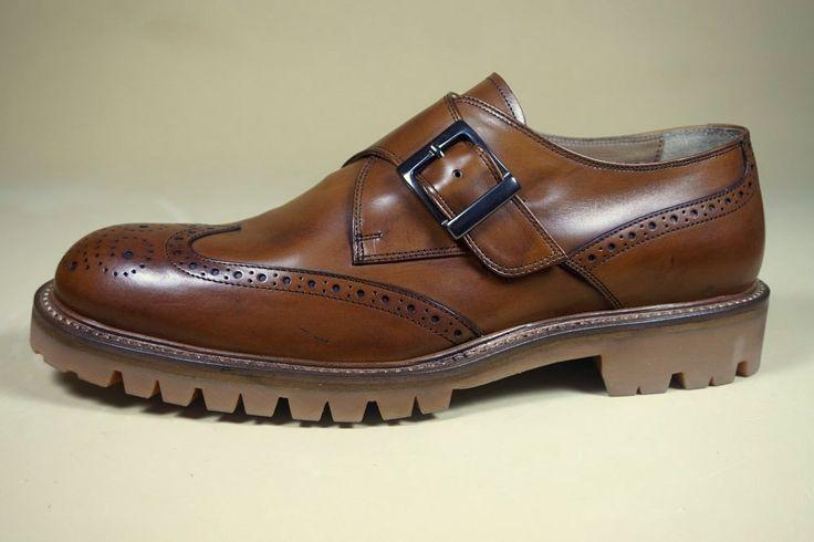 ALFRED Overland  #scarpe Casual Trendy realizzate con pellame spazzolato / invecchiato a mano.
