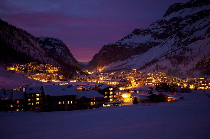 Val d'Isere at night by Jus Medic, via 500px