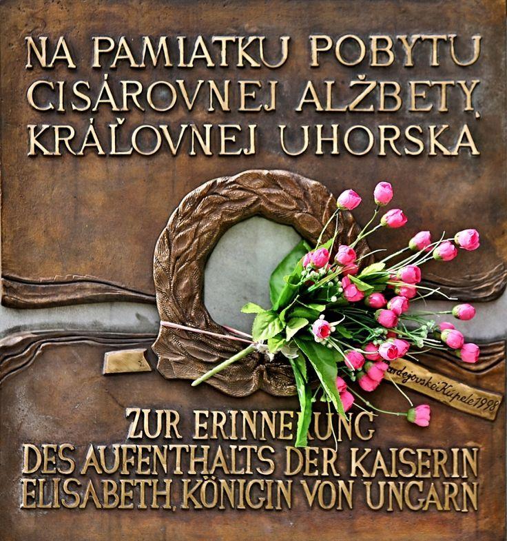 Príďte v nedeľu 21. augusta na Alžbetínsky deň, čaká vás Sisi a Franz Jozef  Bardejovské kúpele sú opäť krajšie - zdobí ich hotel Alžbeta rekonštruovaný v štýle Sisi   Výborným tipom na rodinný výlet v nedeľu 21. augusta sú Bardejovské kúpele. Dospelí i deti si tu budú môcť vychutnať atmosféru rakúsko-uhorskej monarchie. Na tradičnom ALŽBETÍNSKOM DNI, ktorý sa každoročne koná na počesť pobytu cisárovnej v Bardejovských kúpeľoch v roku 1895.