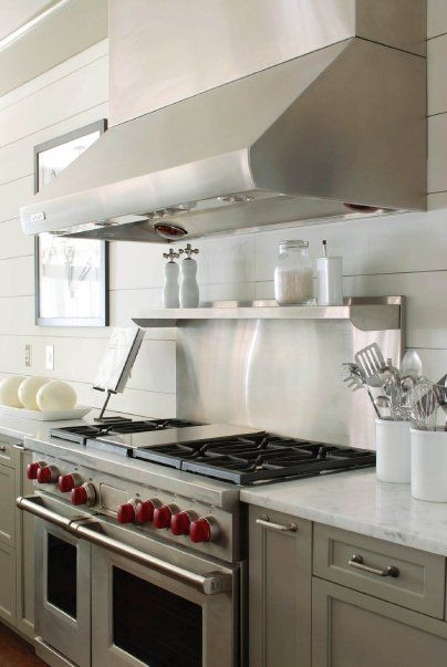 Kitchens benjamin moore gettysburg gray white plank for Gray kitchen cabinets with white appliances