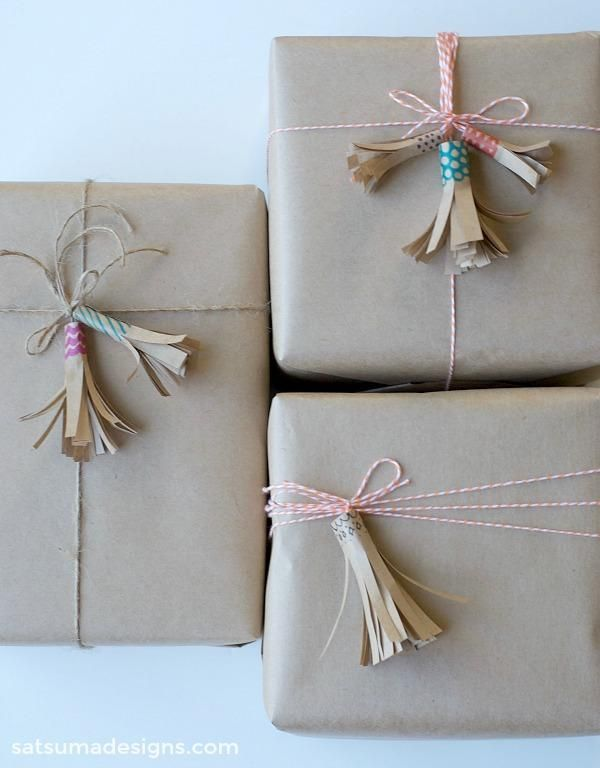10 Clever Unique Ways To Wrap Gifts With Brown Kraft Paper True Pretty In 2020 Gift Wrapping Tutorial Birthday Gift Wrapping Diy Gift Wrapping Tutorial