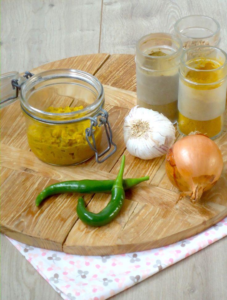 DIY maak je eigen currypasta