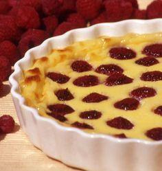 Clafoutis aux framboises, la recette d'Ôdélices : retrouvez les ingrédients, la préparation, des recettes similaires et des photos qui donnent envie !