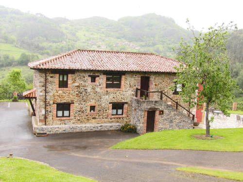 38 best images about fachadas de casas de campo on for Fachadas de casas con terraza