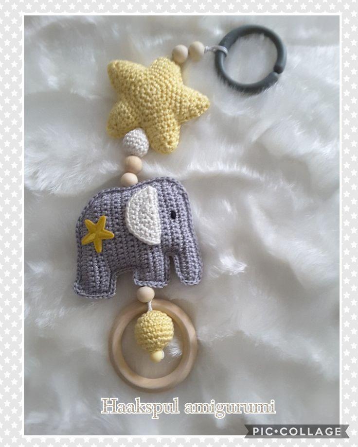 Nog een maxicosy hanger gemaakt, gratis patroontjes van Pinterest