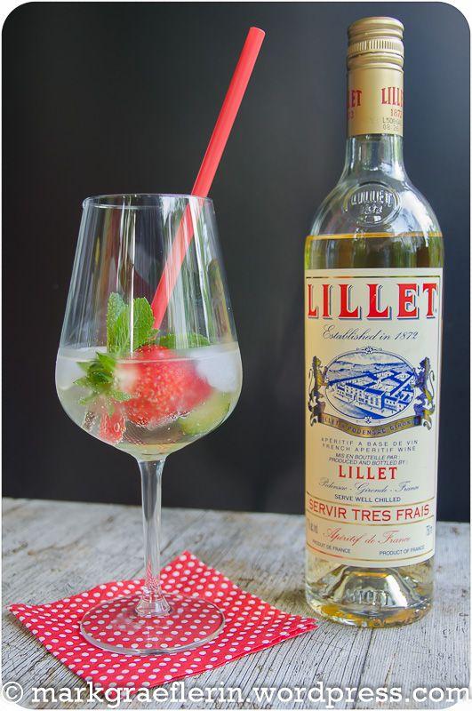 """Heute gönnen wir uns mal wieder einen After-Work Cocktail. Sommerlich und fruchtig kommt dieser Cocktail daher: """"Lillet Vive"""" Perfekt, um einen sommerlichen Tag abzuschließen. Wir geni…"""