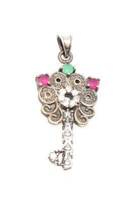 925 Ayar Gümüş ve Bronz Karışımı Taşlı Anahtar Modeli Kolye Ucu