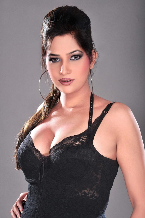 Pakistani Indian Girls Pictures Awesome Indian Cleavage -9010