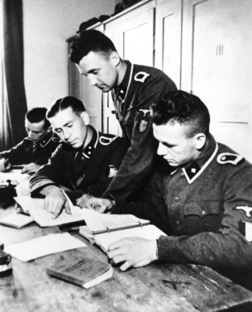 "Soldiers of the ""Wallonien"" at officer training school in Bad Tölz, Germany."