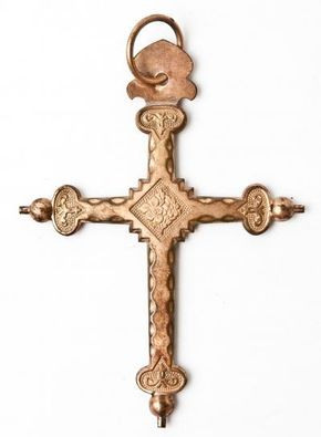 Jeanette cross, the most popular French cross.  They were thus named because once a year on the fête of Saint Jean, girls would hire themselves out into service and would spend part of the 4 month advance on clothes and often on one of these crosses.