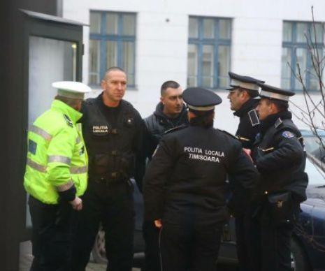 Între polițiștii locali care au ca obIectiv Primăria Timișoara s-a dat alarma, luni dimineață. Oamenii legii au intervenit rapid pentru a aplana un protest săvârșit de un timișorEan de unul singur. La fața locului au ajun s mai întâi doi polițiști, apoi a...
