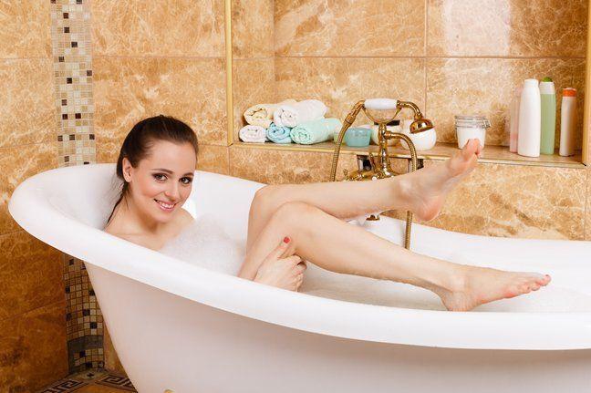 Каждая умелая хозяйка старается заботиться о чистоте и уюте своего дома. Одним из самых проблемных мест жилища является ванная комната, которая очень быстро загрязняется. Предлагаем вашему вниманию…