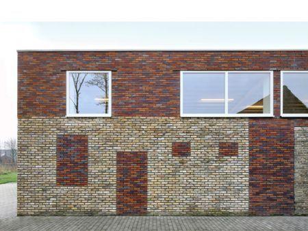 Dorphuis in Westvleteren van Atelier Tom Vanhee / BELGISCHE BAKSTEENFEDERATIE / *Foto's: Filip Dujardin
