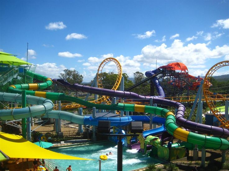 waterpark and amusement park images | ... of Cancun's Wet N' Wild water park, we give it a 2 star rating