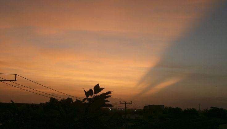 ぺ La sierra Nevada pintando el Cielo mañanero ぺ