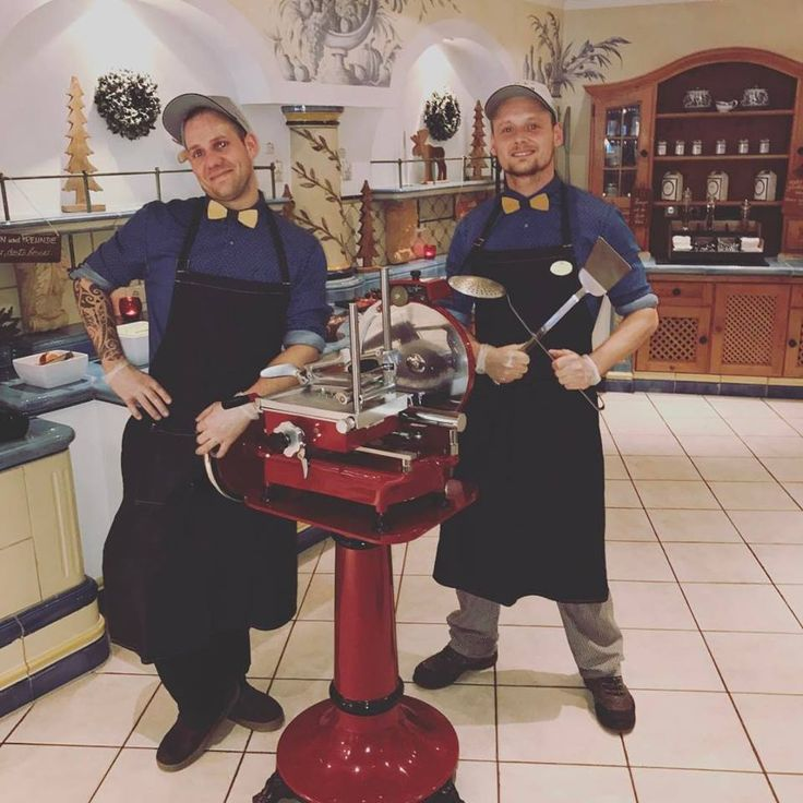 Men on the machine @ stock.at (STOCK resort, Zillertal, Tyrol)