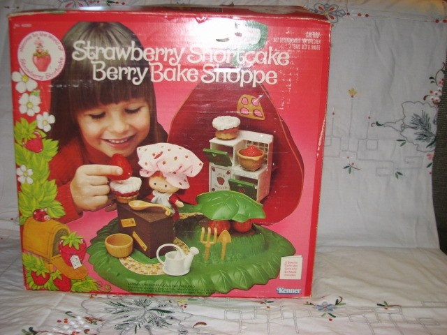 Vintage Strawberry shortcake Berry Bake shop with BOX. $15.00, via Etsy.