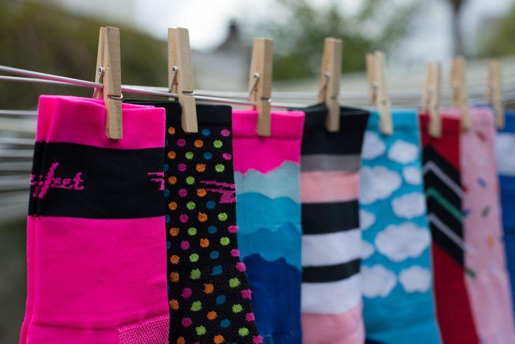 Is jouw moeder sportief? Dan verdient ze voor moederdag vast en zeker 1 van deze leuke sokken! Kies een leuk paar sokken op www.kitfit.nl en verras haar!! #orgineel #sokken #cadeau #cadeaumoederdag