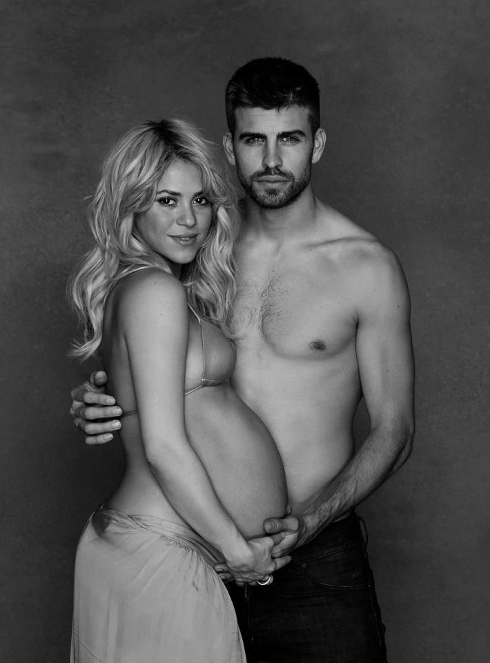 Shakira y Piqué, un 'desnudo' solidario