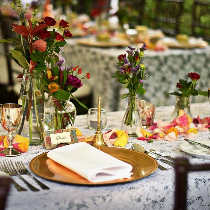 Colour pop with flowers | Table décor | Garden Marquee Wedding | Evergreen Garden Venue | Styled by Sugar and Spice Events