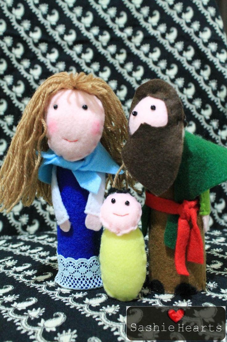 Christmas crib: each handmade with felt, 10% machine stitching, 90% hand stitching.