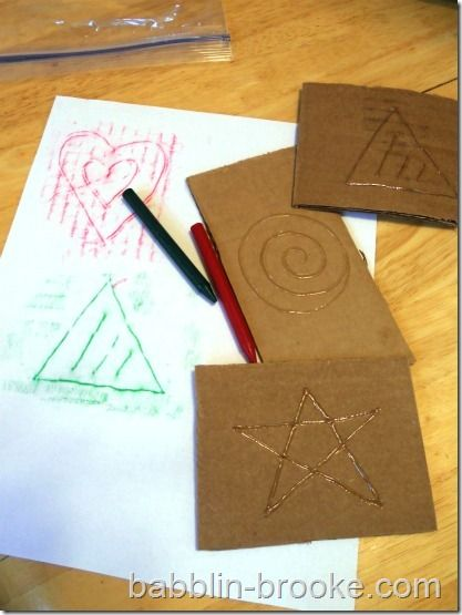 use hot glue on cardboard to make patterns for crayon rubbings....and more homemade toy/craft ideas: Arts, Busy Bags, Glue Designs, Glue Rubbing, Crayon Rubbing, Hot Glue, Kid